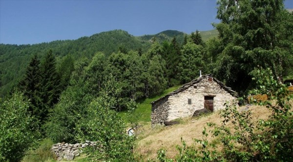 Anello gema bassa nemina sognando la gran via delle orobie for Piani casa sul tetto di bassa altezza